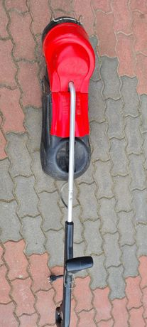 Podkaszarka elektryczna z koszem zbierającym firmy MTD