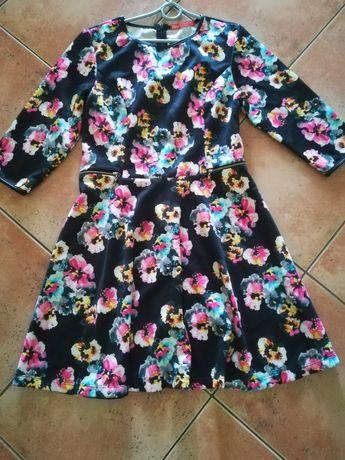 Sukienka w kwiaty nowa