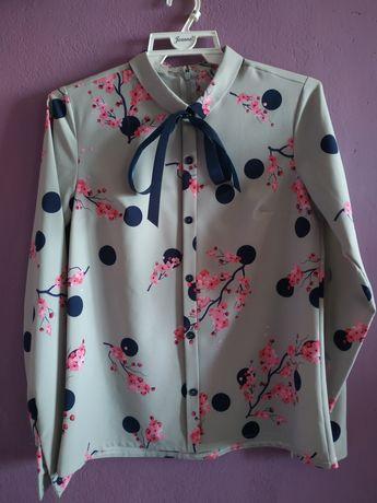 Szara koszula w kwiaty z kokardką