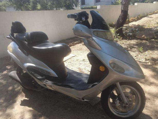 Scooter 125cc automática