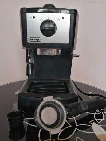 Ekspres do kawy DeLonghi EC153.B