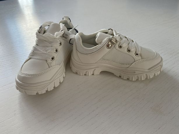 Кросівки білі reserved