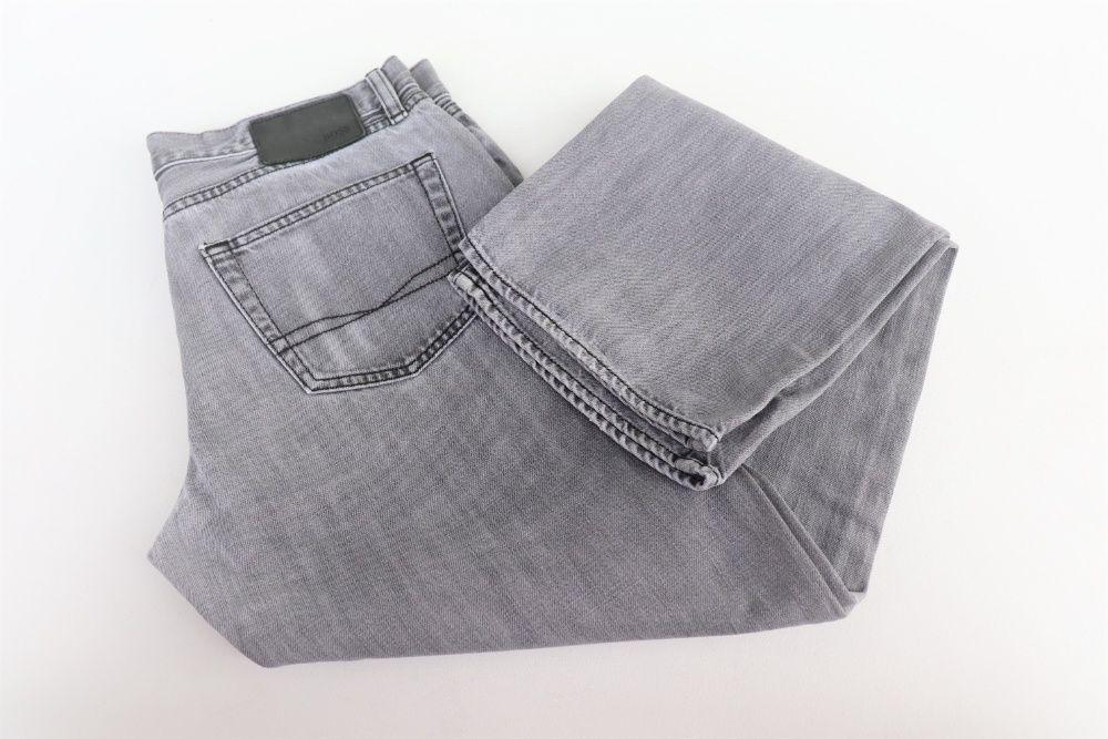 Męskie spodnie jeansowe Hugo Boss TEXAS W34 L34 jeansy jak nowe XL Węgierska Górka - image 1