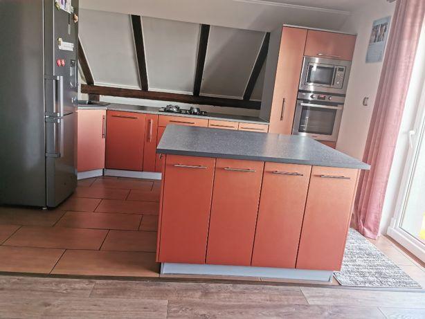 meble kuchenne z wyspą + sprzęt AGD