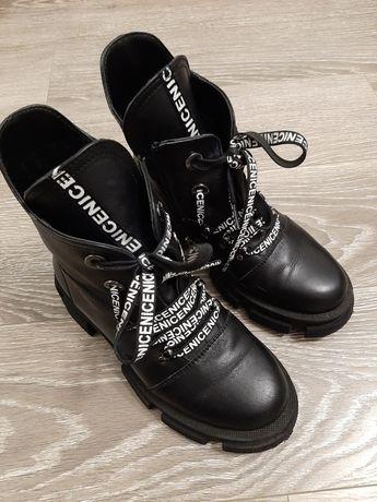 Шкіряні черевички 36 р. Майже нові.