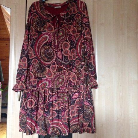 Wzorzysta sukienka XL
