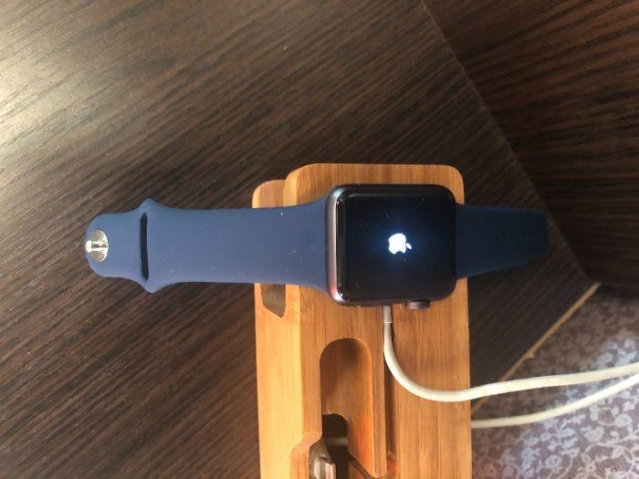продаю часы apple watch 1 38mm, перезагружаются Черкассы - изображение 1