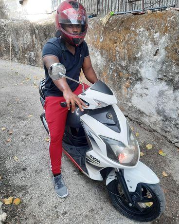 Scooter semi-nova