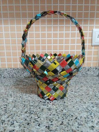 Cesto artesanal de sacos de café
