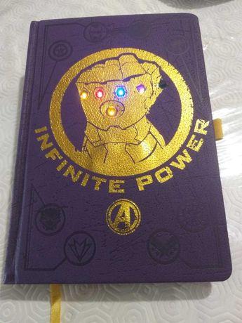 Caderno Marvel com Luzes- novo