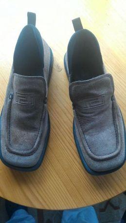 Sapatos Versace tamanho 42