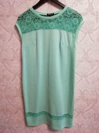 Нарядное платье цвета мяты р. 44-46
