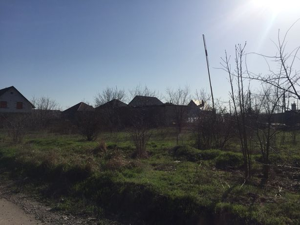 Участок в Усатово в 100м от Объездной дороги. Район Аккорда