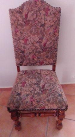 Duas Cadeiras e Capas ao preço de uma