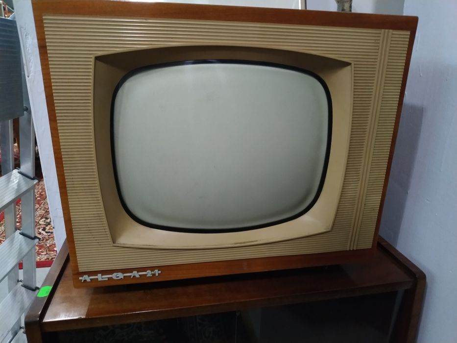 Telewizor Alga PRL Sopot - image 1