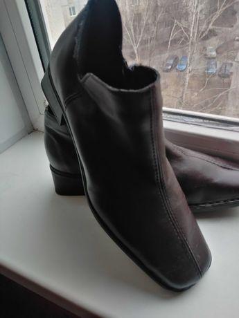 Женские ботинки Rieker.