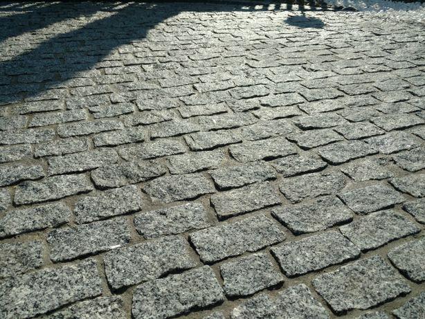 Granit 8x8x16cm łupany palisada kostka granitowa brukowa piasek ziemia