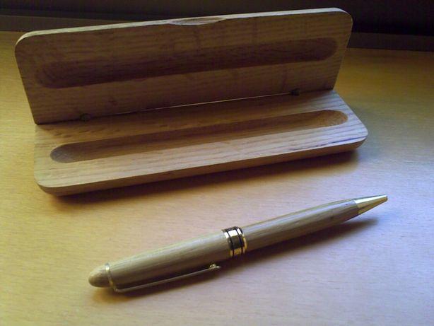 Caneta com estojo em madeira