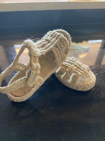 Sandálias cordel Zara