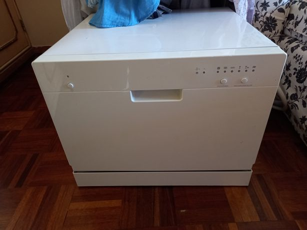 Maquina de lavar pequena