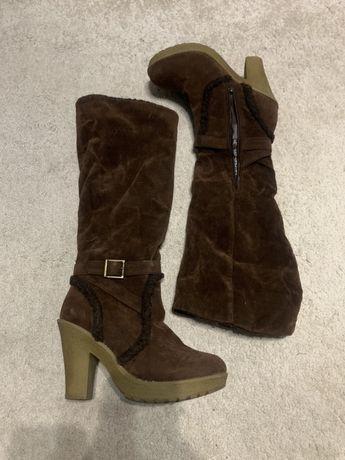 Сапоги зимние на каблуке коричневые ботфорты