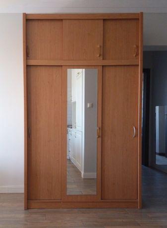 Szafa 3-drzwiowa z lustrem kolor olcha.