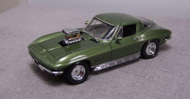 Chevrolet Corvette StingRay Street Machine 1967 od Exoto 1:18 AUTOart