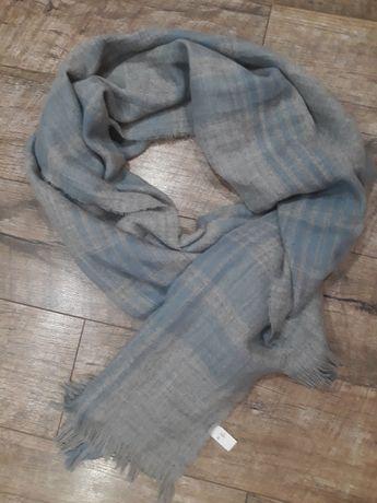 Очень мягкий большой тёплый шарф,палантин