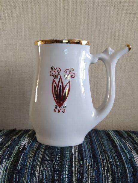 Бюветница, чашка с носиком для минеральной воды с позолотой