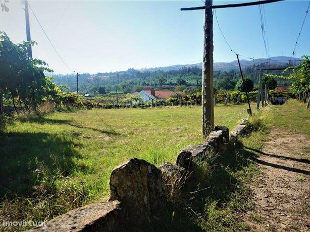 Terreno plano em zona de construção para venda na Bela, M...