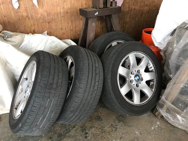 Vendo Jantes 16 BMW com pneus em muito bom estado