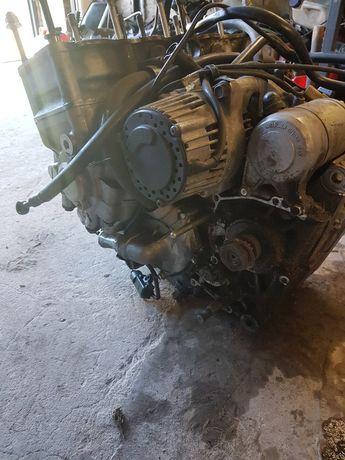 Silnik części yamaha yzf750r sprzęgło,skrzynia alternator rozrusznik