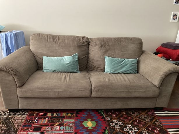 Sofa ikea em bom estado
