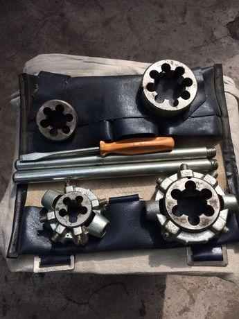Набор резьбонарезных инструментов РИС-3М