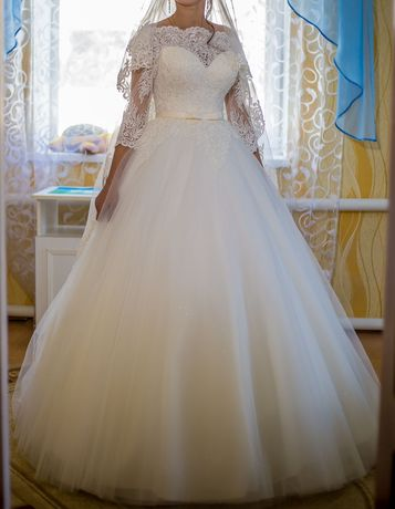 Недорого Шикарна весільна сукня,(срочно свадебное платье) + подарунок.