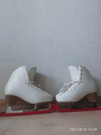 Коньки фигурные EDEA Motivo р.210 с роликовой рамой SNOW WHITE