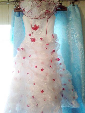 Продам отличнешее платья для вашей Принцессы.