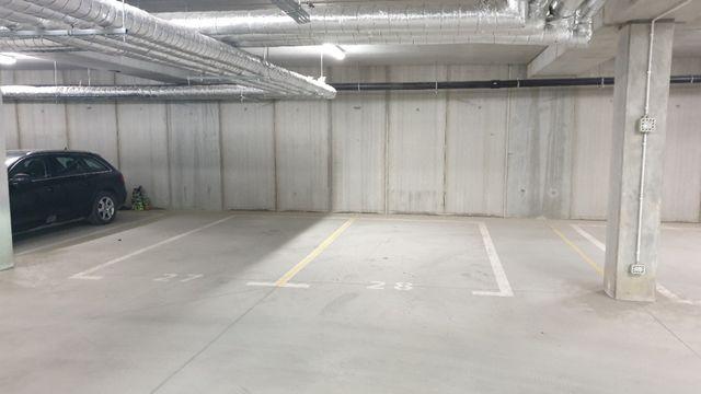 Wynajmę miejsca postojowe w hali garażowej, JASIELSKA 9