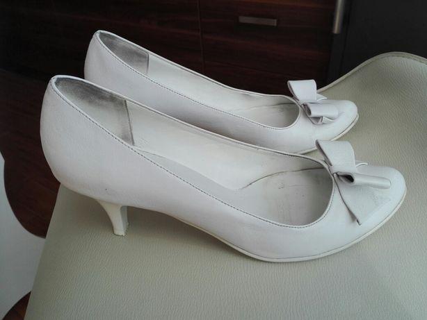 Buty szpilki białe r. 39