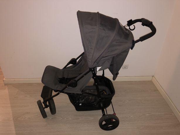 Carrinho de bebe semi-NOVO OFERTA CAPA CHUVA