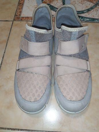 ЕССО кросовки на девочку оригинал