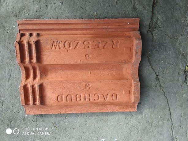 Posiadam 160m² dachówki cementowej rzymskiej z wykończeniami