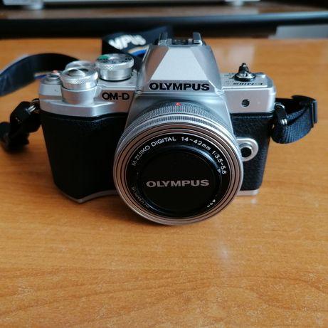 Olympus OM-D E-M10 mk III + obiektyw 14-42mm