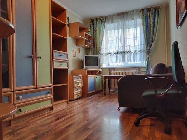 Продам 2-комнатную на Коммунаре