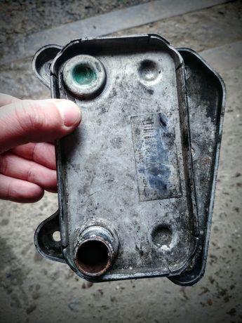Радиатор масляный(теплообменник) om611 om646 w203 w211 A6121880101