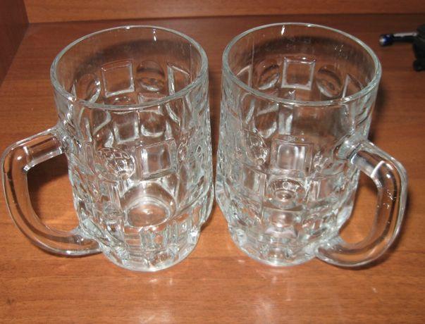 два пивных бокала