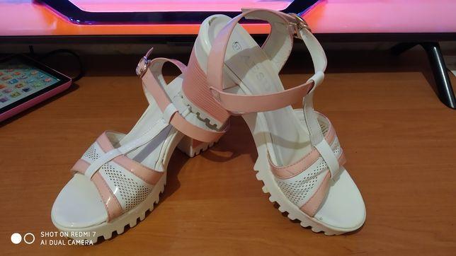 Босоножки летняя обувь женская лодочки