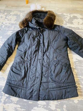 Жіноча зимова куртка розмір 48/50