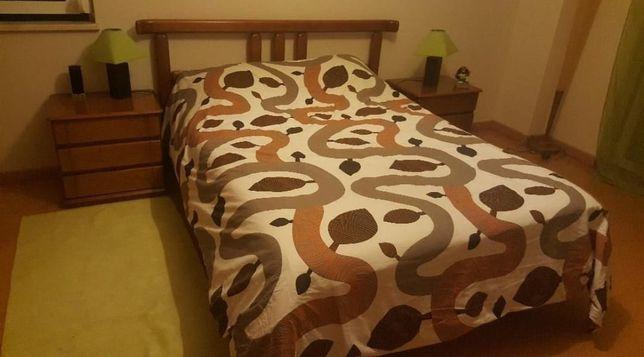 Mobília de quarto madeira maciça