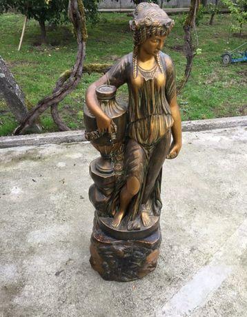 Estátua dourada